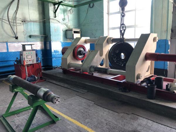 Автоматизированный пресс для распрессовки и запрессовки колесных пар (ПЗР-600)